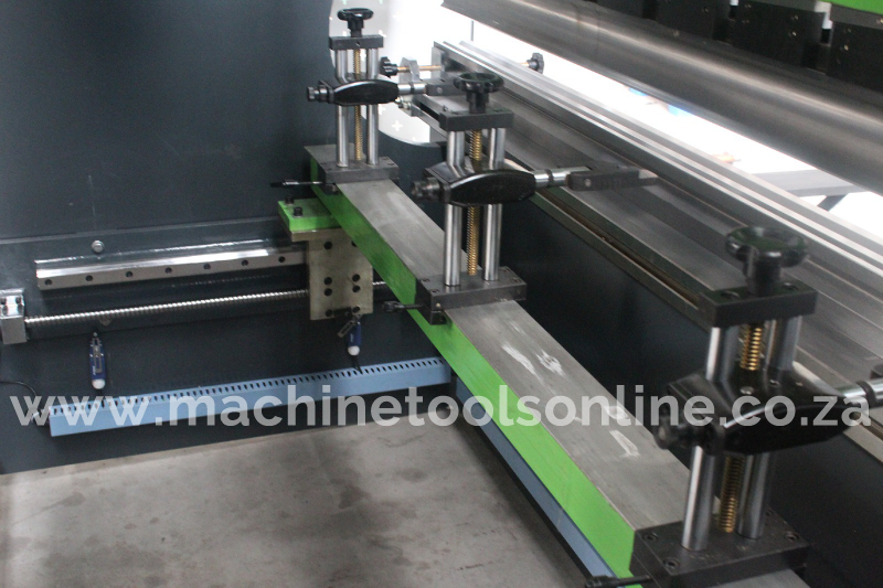 IntelliFab_hydraulic_pressbrake_backgauge.png