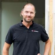 Andreas Larsson  Snickare och arbetsledare andreas@husmastarna.se 0707 31 27 22