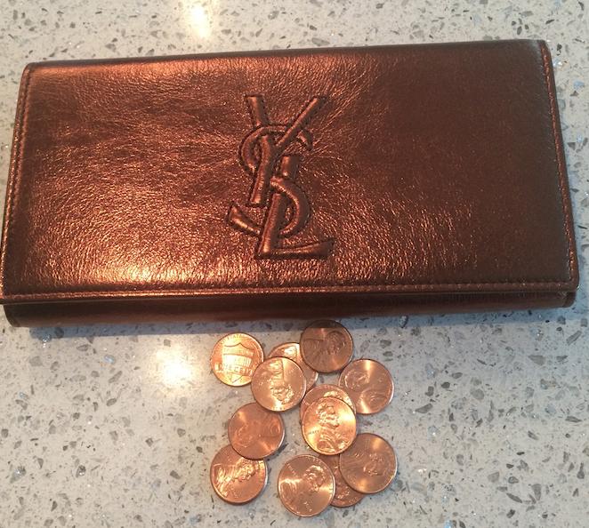 Such a chic copper wallet, non?
