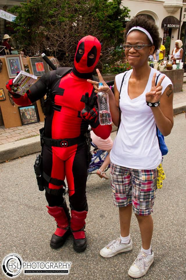 Deadpool and fan.jpg