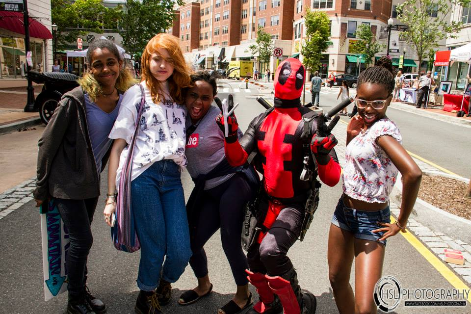 Deadpool and fans 2.jpg