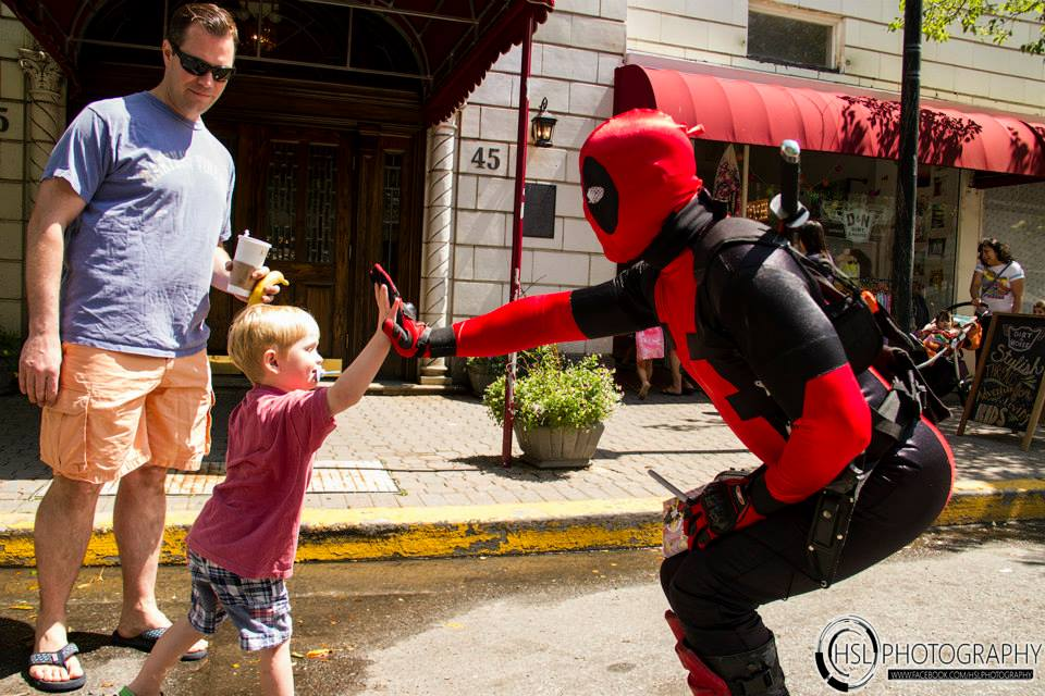 Deadpool loves his fans.jpg
