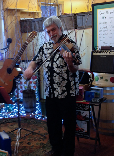 John Tereyak plating the fiddle on Maine Maple Sunday 2014