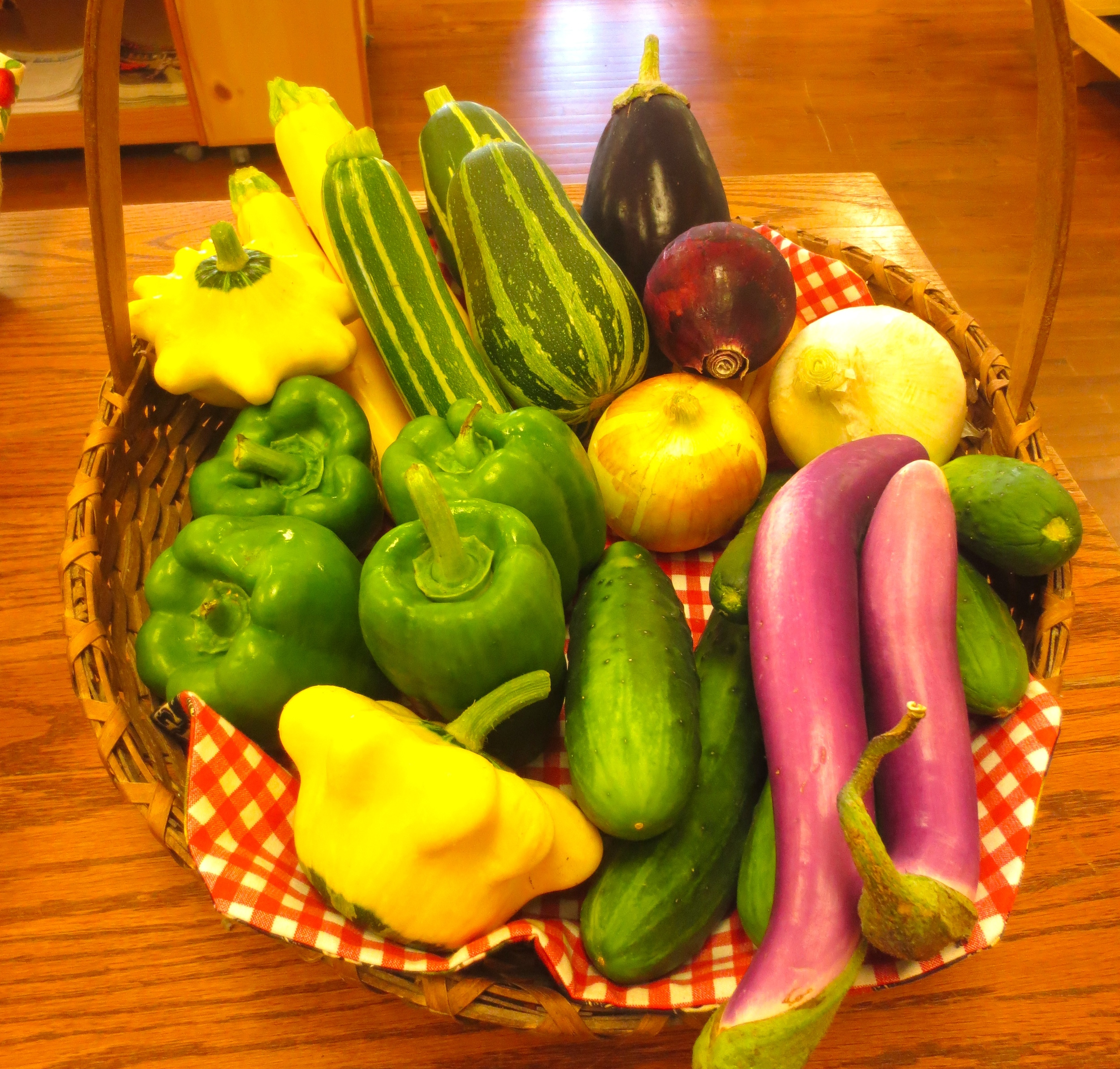 Make Lunches Fresh by Using Locally Grown Produce