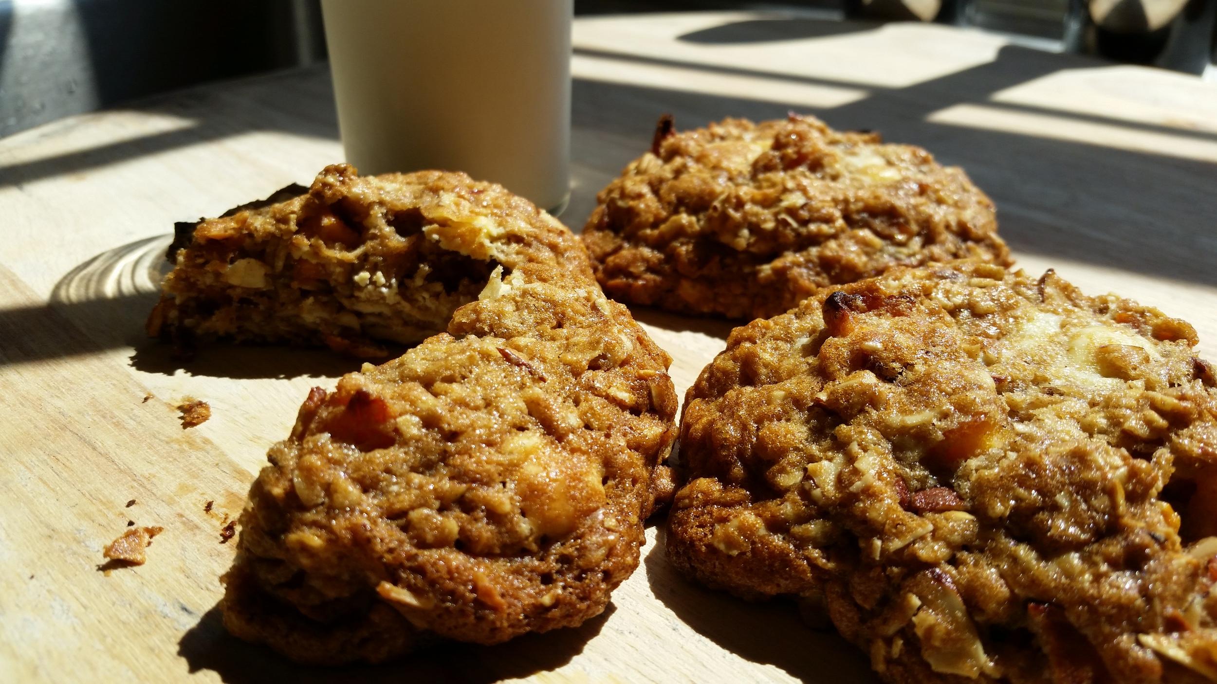 Delightful Peach Almond Cookies