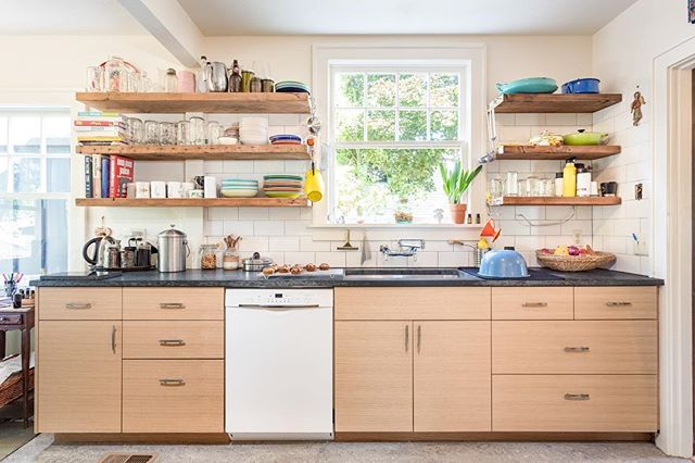Revisiting the rift sawn white oak kitchen for @rosecabinet we built last year.  They almost went the IKEA route, but this is a bit nicer, no?  An excellent cook deserves an excellent kitchen.