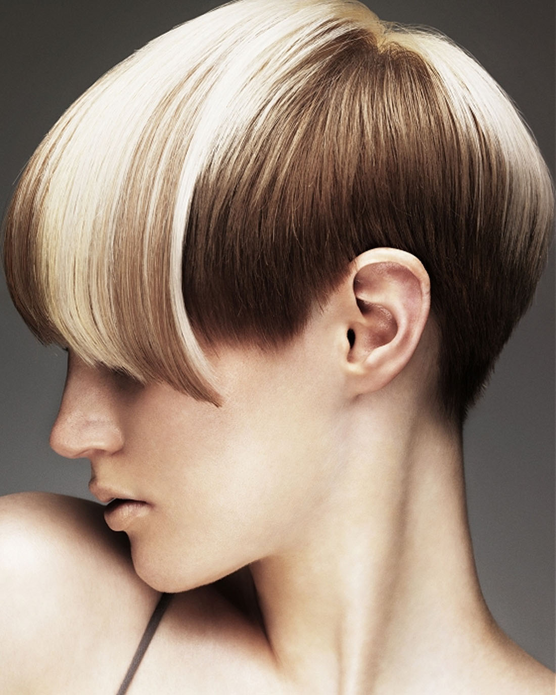 Hair-Color-Trend-of-Blonde-Hair-Short-Haircuts-with-Long-Bangs.jpg
