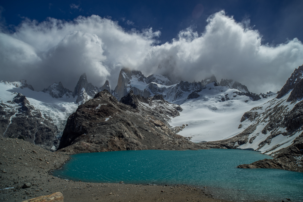Laguna de los Tres with clouds