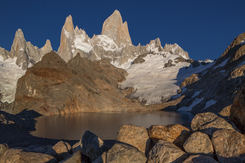 Laguna de los Tres in the morning