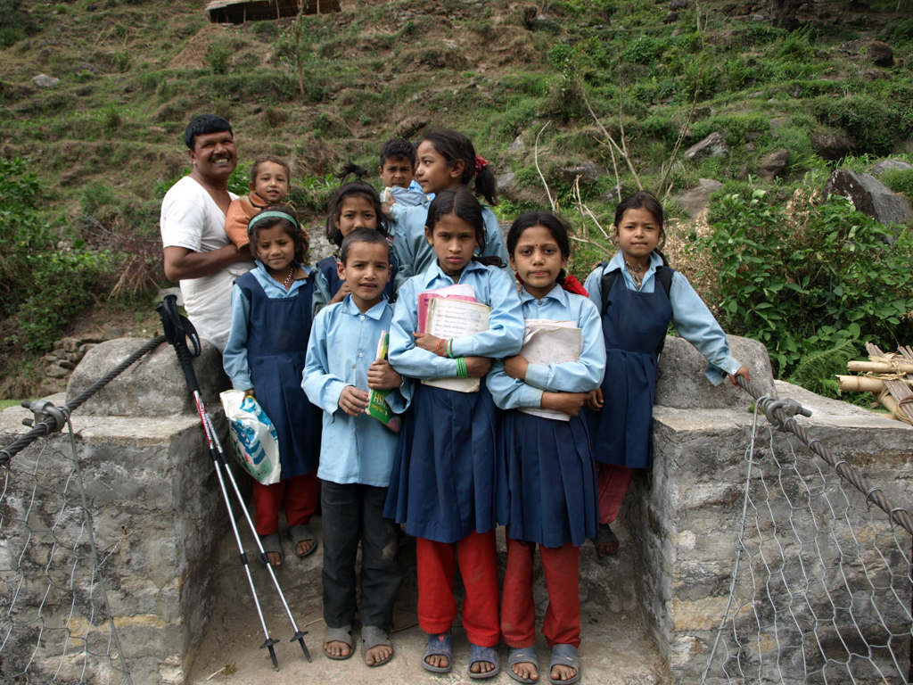 Kids in Nepal on the way to school