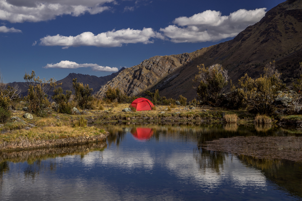 Camp at a little lake at 5150m altitude