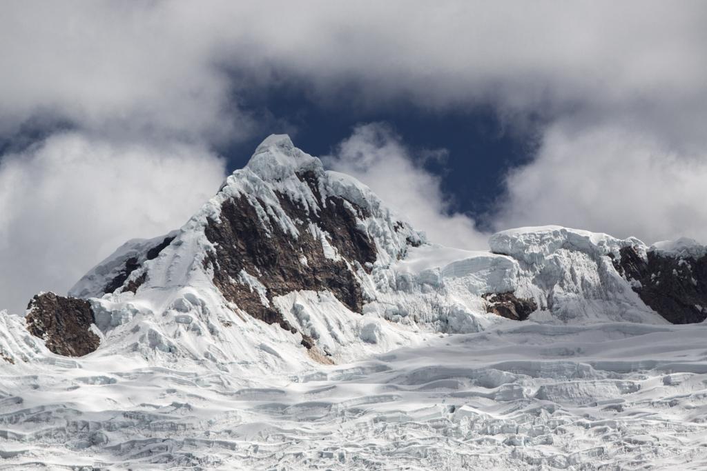Alpamayo (5947m) north face
