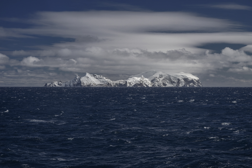 Island in the arctic ocean