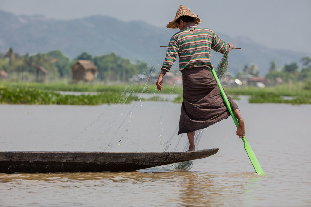 The leg rowers of Inle Lake