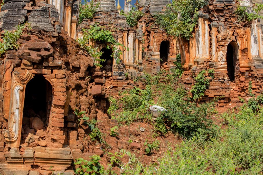 Some buddhas inside the pagodas