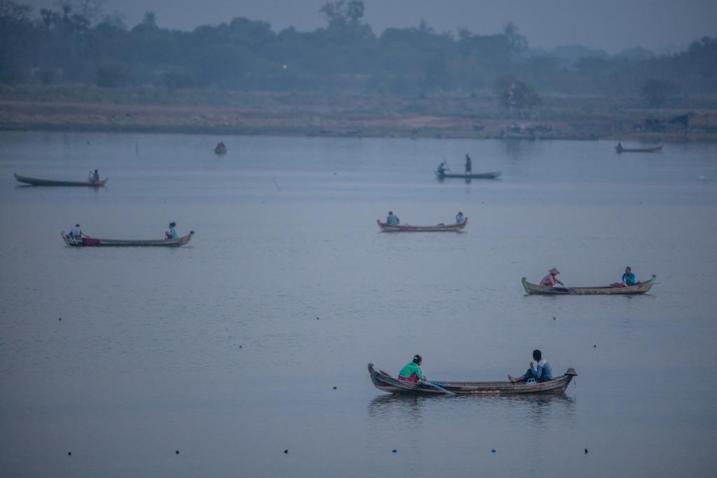 Numerous boats on Amarapura lake