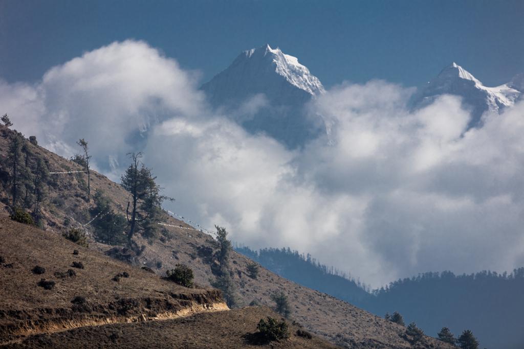 Everest from Phurteng