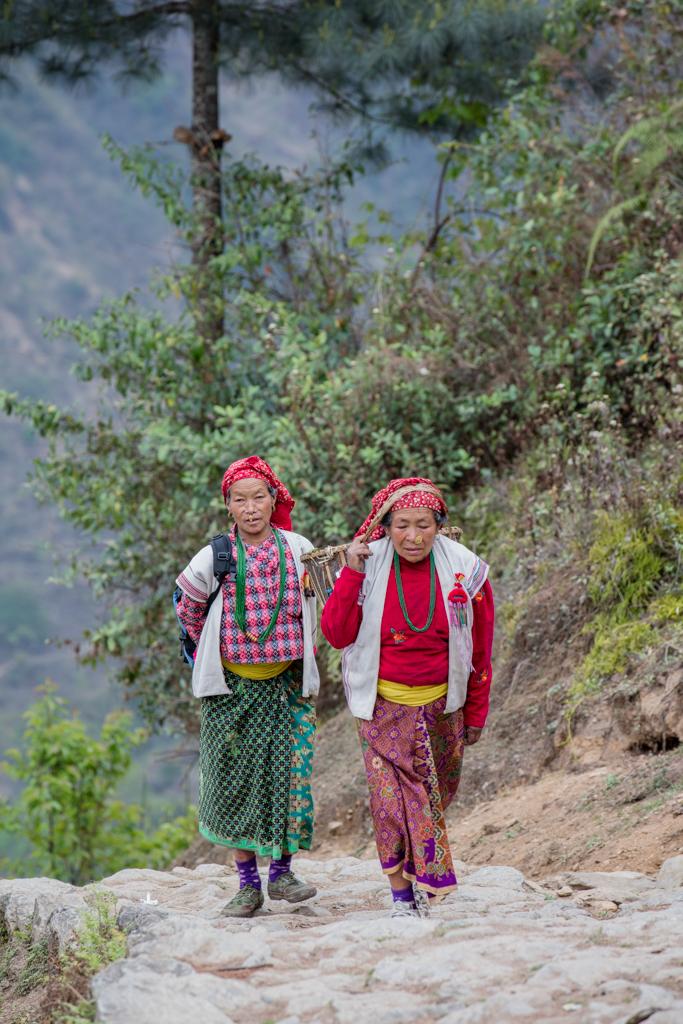 Rai women near Kharikhola