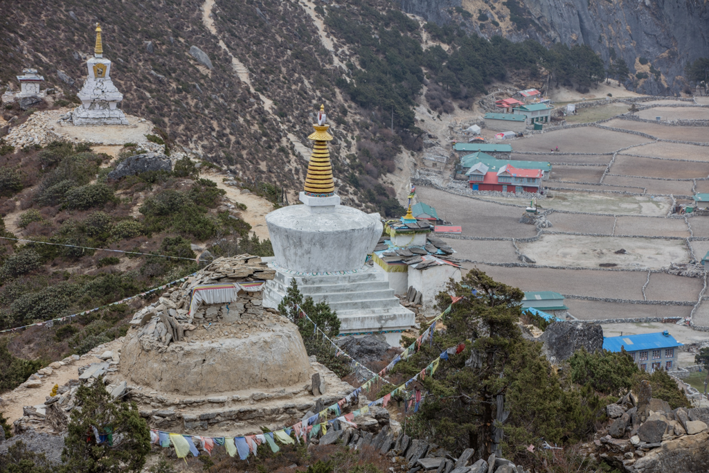 Some stupas with damage from the earthquake
