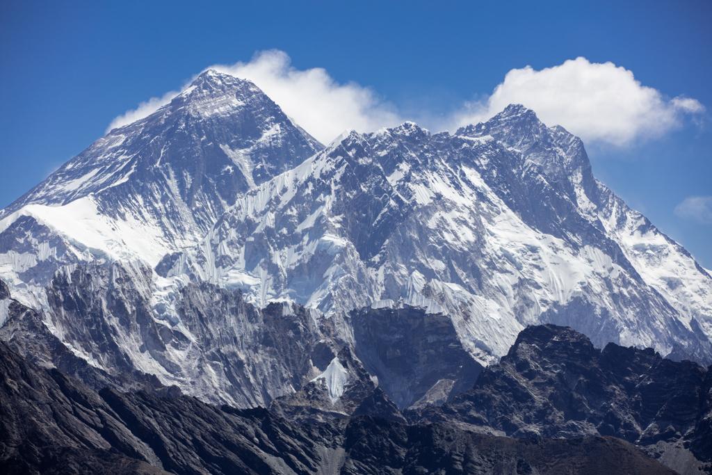 Everest and Lhotse seen from Reno La