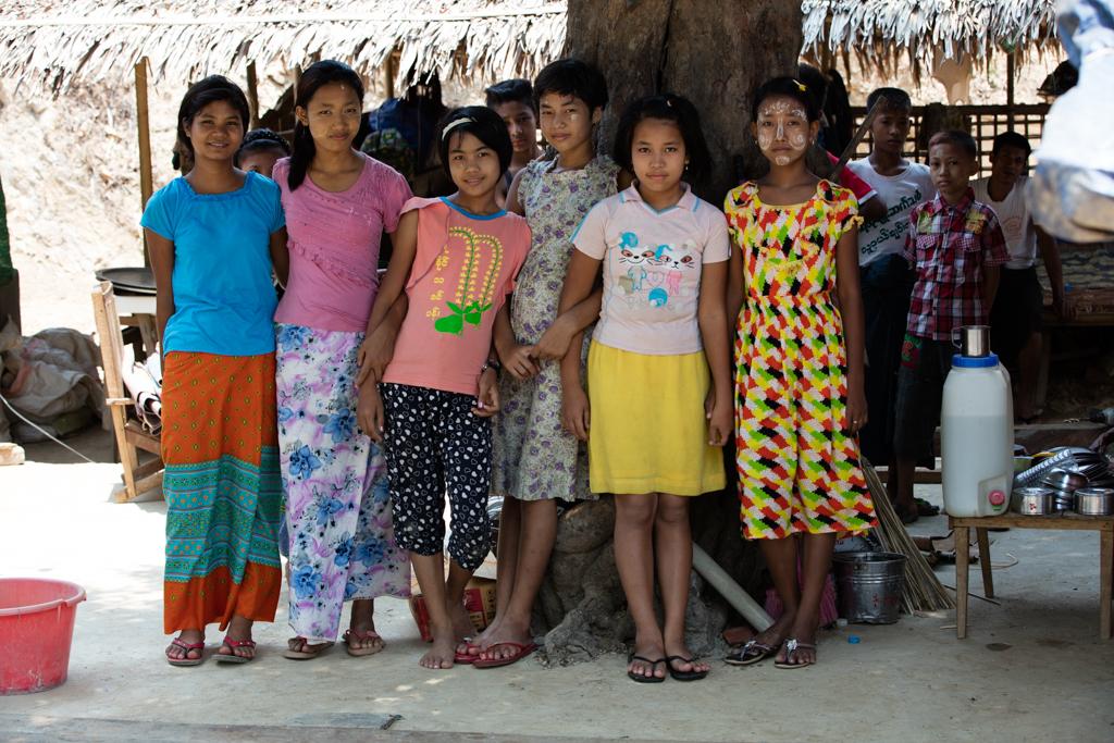 Group photo in Mrauk U