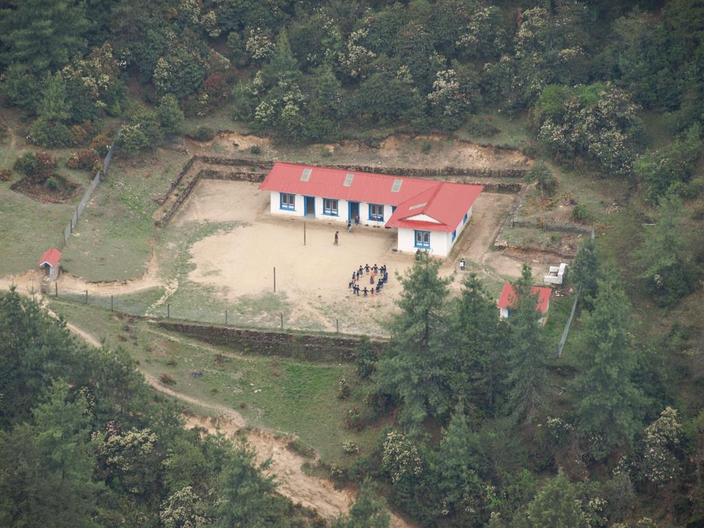 School close to Junbesi
