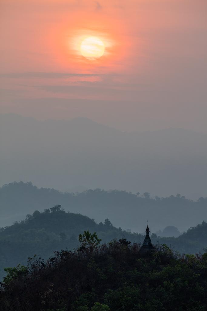 Sunrise at Mrauk U
