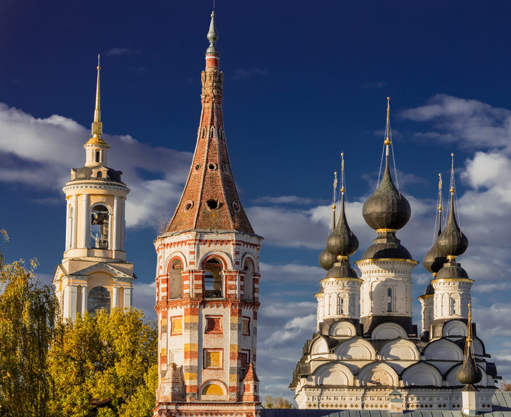 Prepodobenskaya Bell Tower and the churches of St. Lazarus and St. Antipius