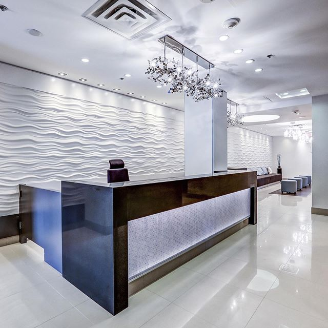 A beautiful modern lobby and corridors in an Etobicoke lakefront condo, showcasing a lot of water elements, organic shapes and textures, in combination with modern and sleek materials. Thank you @tricancontract @3form, @eurofase, @modulararts, @atlasmasland, @metrowallcoverings,  @formicagroup #signnetwork #stone_smds #shields_interiors #interiordesign #interior_design #interior_design_toronto #lobbydesign #lobby_design #lobby_design_toronto #corridordesign #corridor_design #corridor_design_toronto #renovation