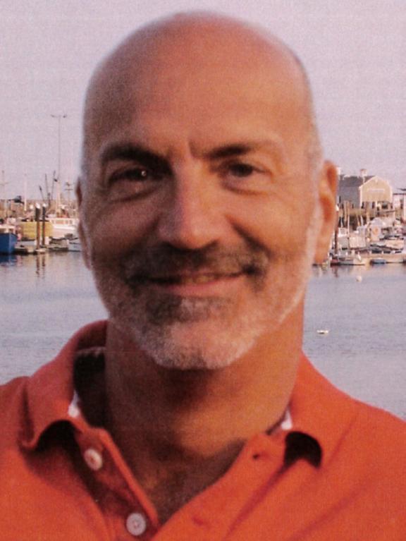 Yves Jalbert  Spécialiste en contenu Association pour la santé publique du Québec  Yves G. Jalbert est spécialiste de contenu à l'Association pour la santé publique du Québec depuis 2015. Il est responsable du dossier concernant les produits, services et moyens amaigrissants. Il détient un doctorat en santé communautaire de la Faculté de médecine de l'Université de Montréal. Il a travaillé à l'Institut national de santé publique du Québec et au ministère de la Santé et des Services sociaux de 2005 à 2014 sur le dossier de la problématique du poids comme évaluateur. Il travaille en santé publique depuis plus de 20 ans.