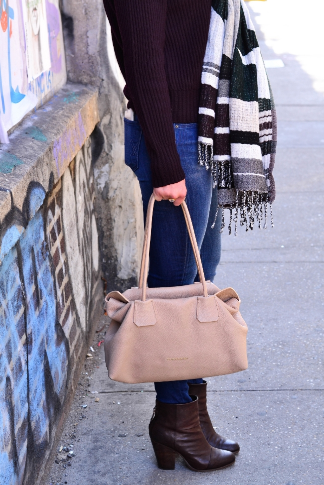 The Casual Classic | Aritzia