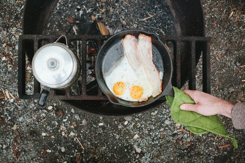 RachelPickPhotography-Westfalia-Camping-Engagement-020.jpg
