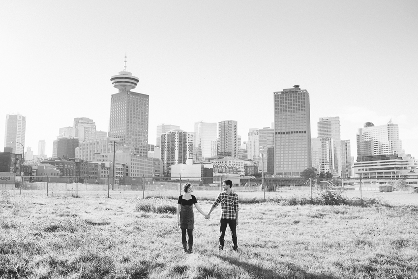 Vancouver-Gastown-Engagement-Photographer-015.jpg