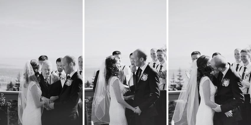 Grouse_Mountain_Wedding_Photographer_TD_043.jpg