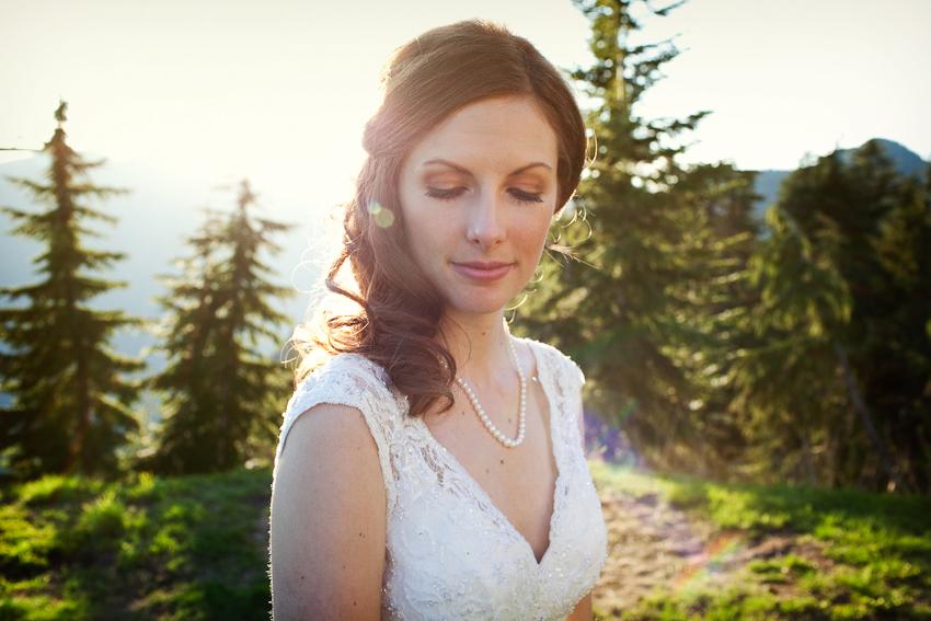 Grouse_Mountain_Wedding_Photographer_TD_048.jpg