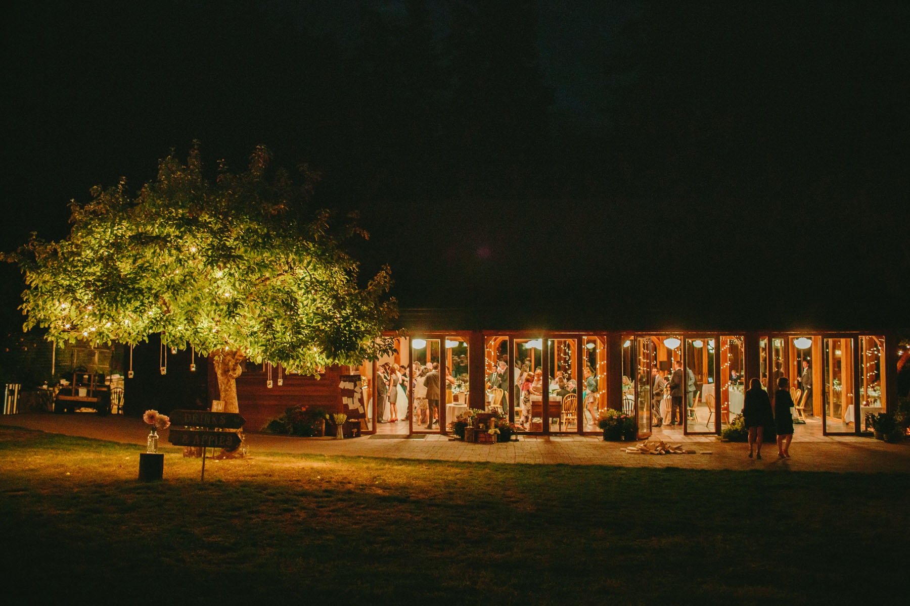 thetis-island-wedding-photographer-rp-rn-213.jpg