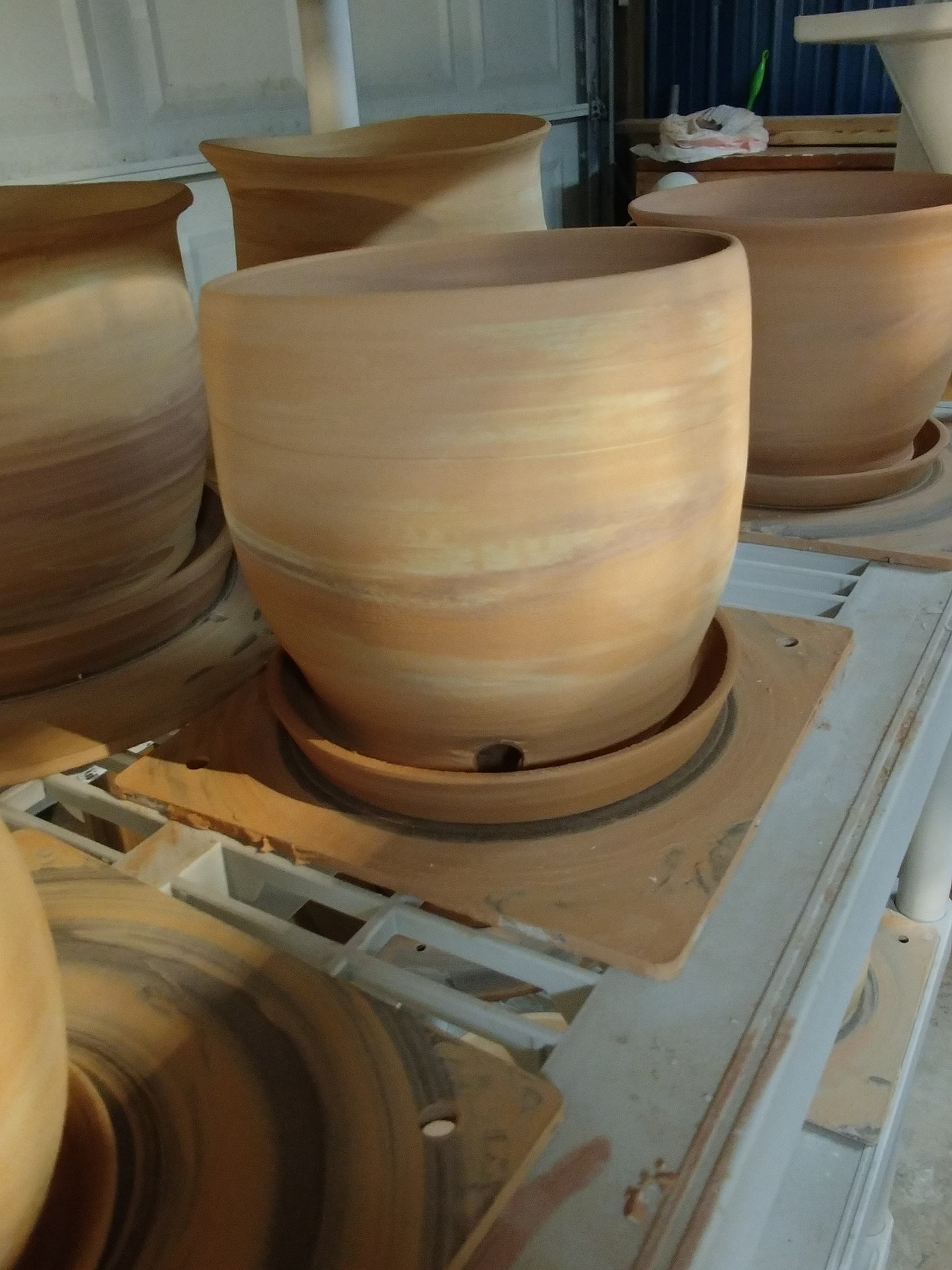 In process marbled In The Buff Planters