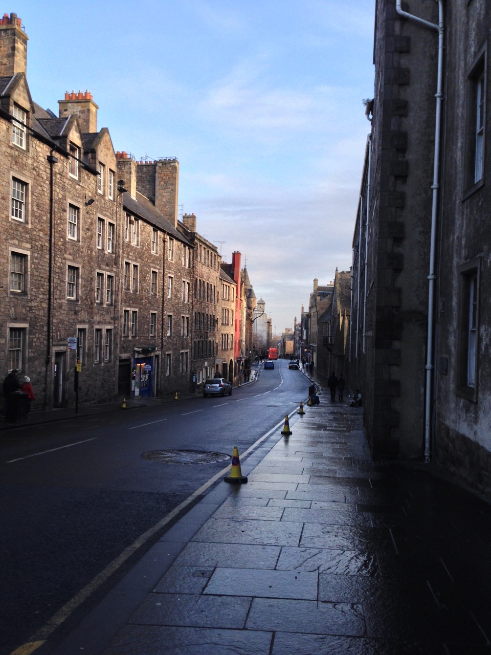 Edinburgh, Tourist Town - 02.jpg