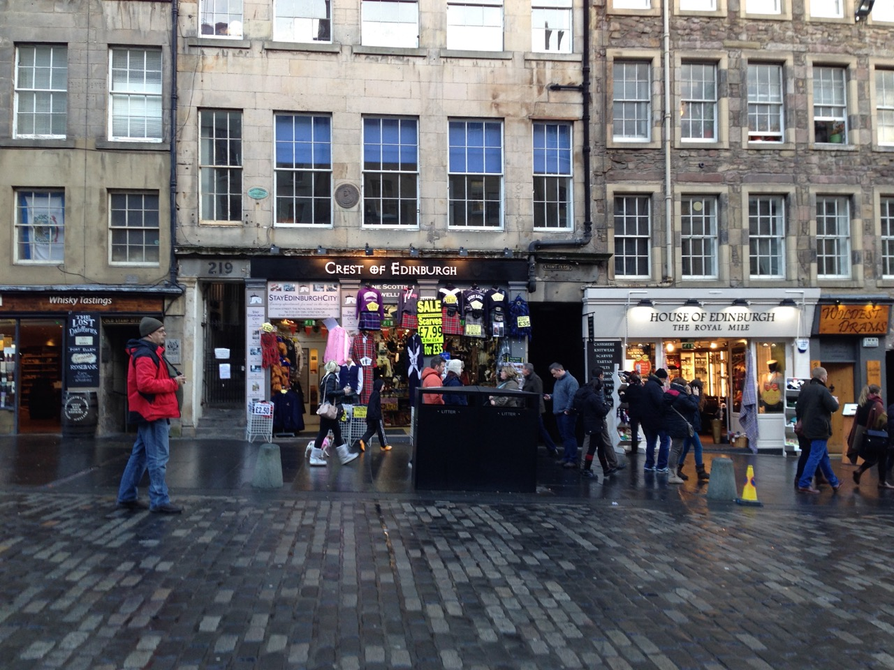 Edinburgh, Tourist Town - 04.jpg
