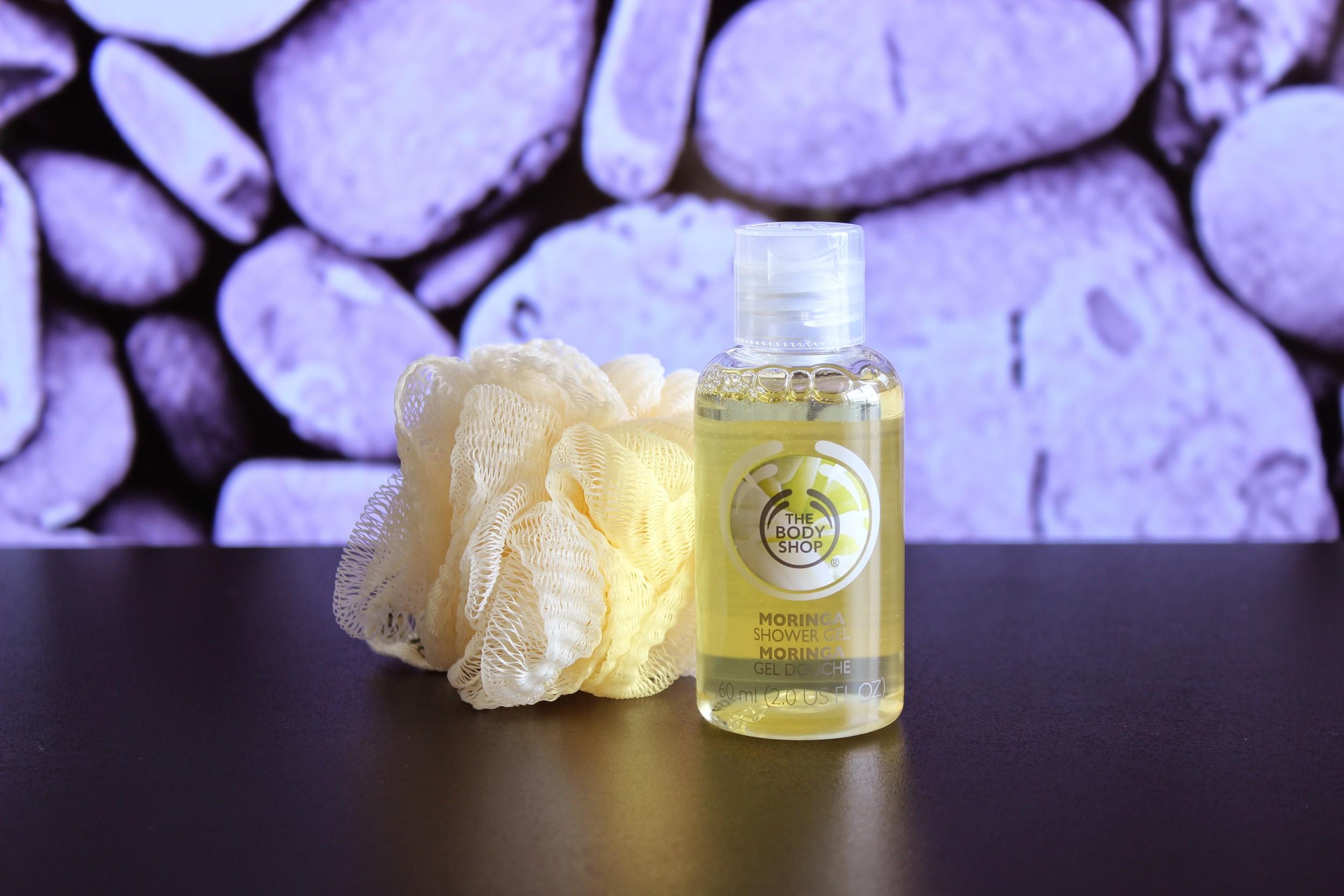 Sabonete líquido Moringa + Esponjinha do Kit The Body Shop- Foto por Bruno França