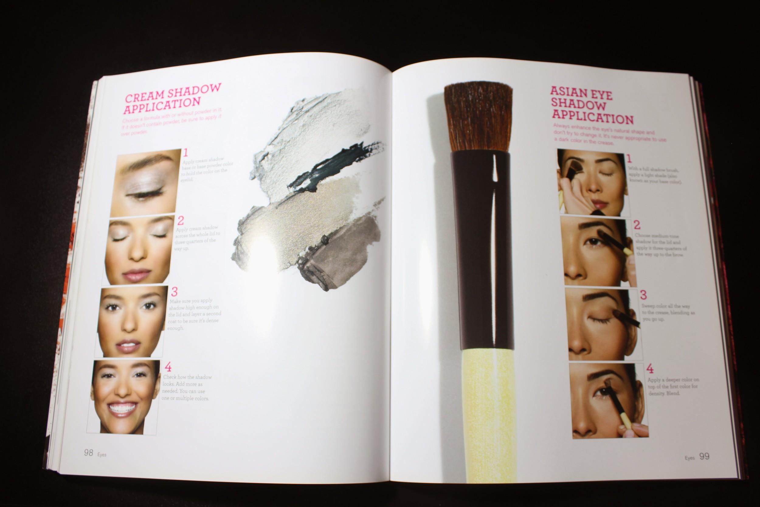 Bobbi Brown Makeup Manual - Foto por Bruno França