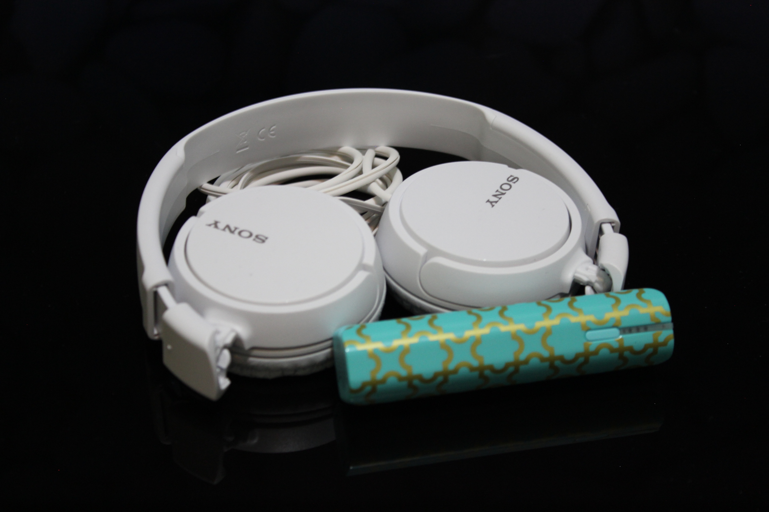 Headphone Sony e Bateria extra PNY - Foto por Bruno França
