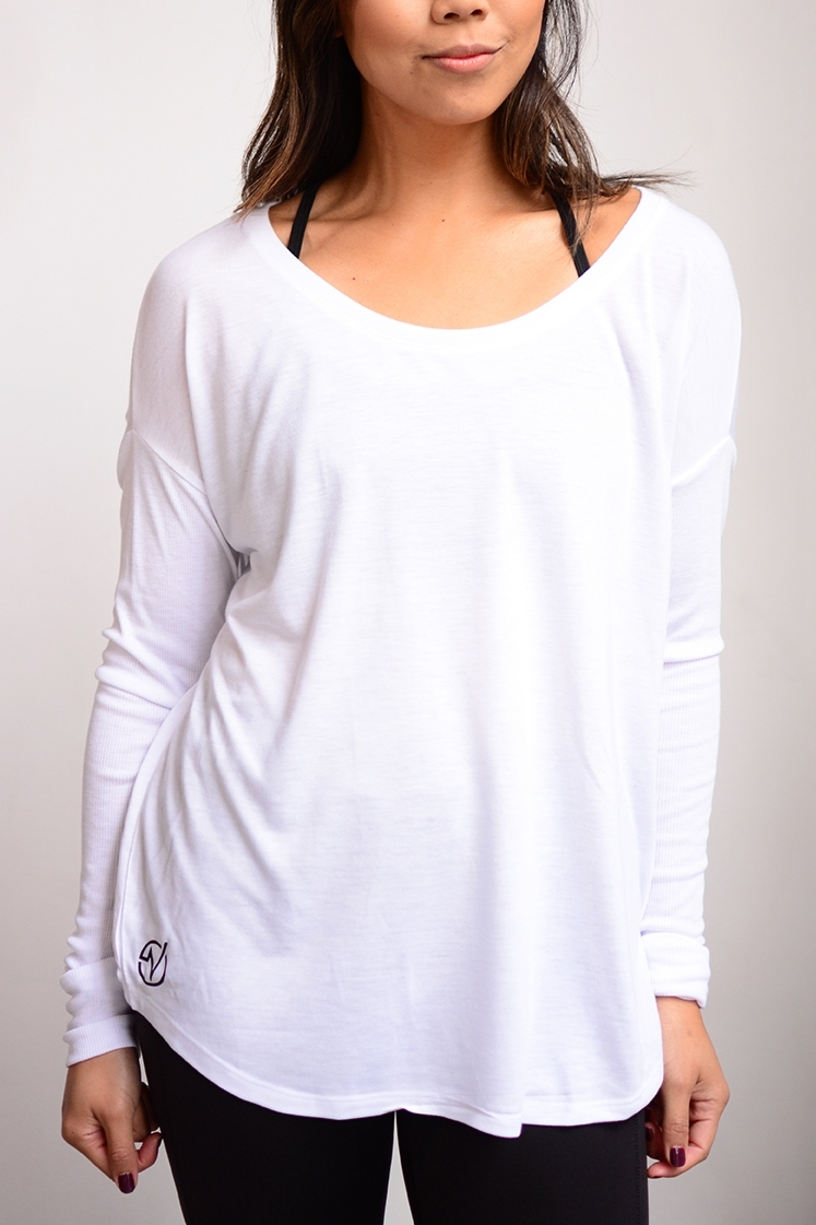 Women's Basic Flowy Long Sleeve - SKU: W8852MIN QTY 15 / Any Color - Any Size$16.20-$18.90COLORS: Black, WhiteSizes: S, M, L, XL, 2XL