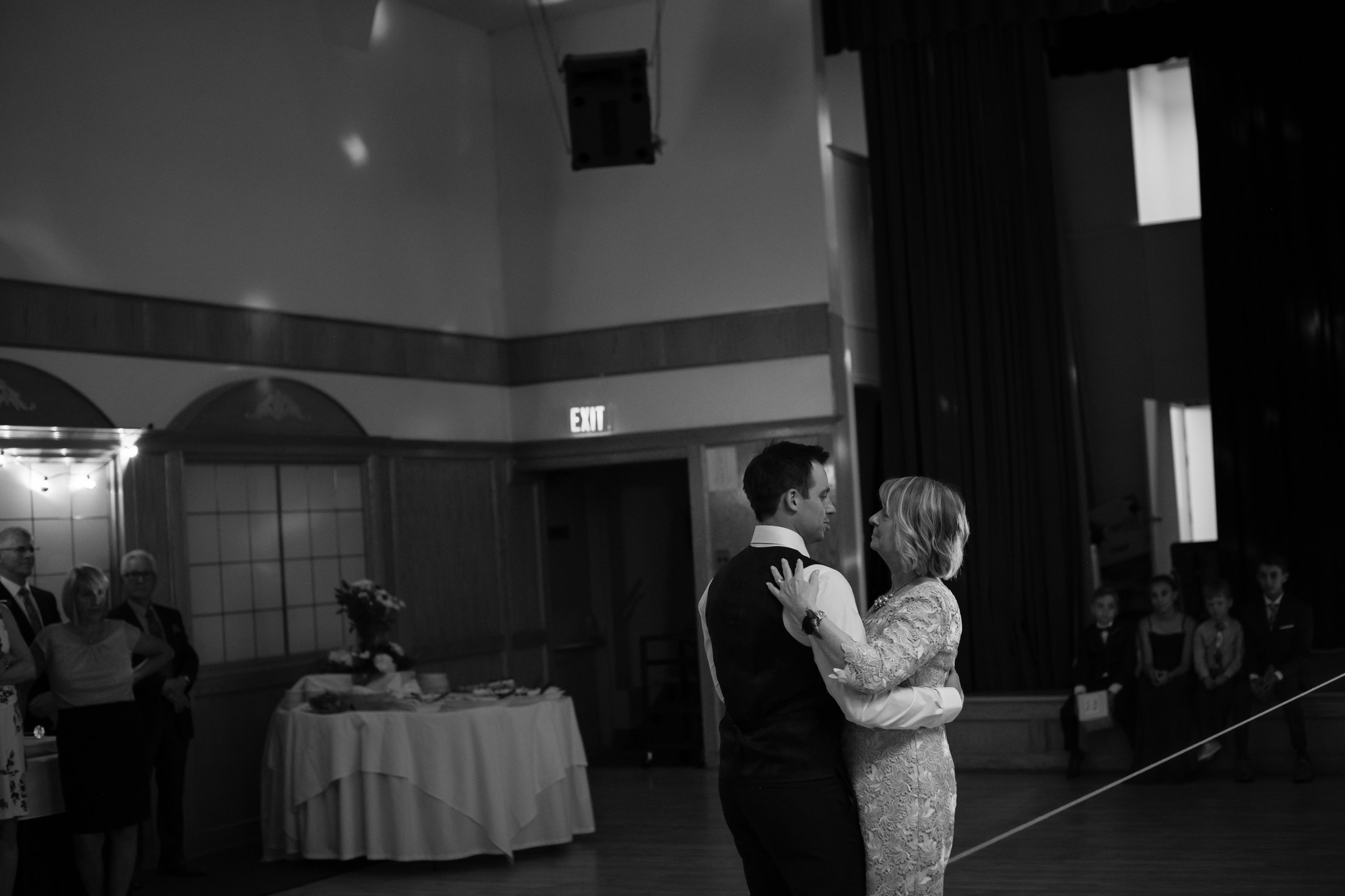 Laura_Danny_Wedding_Sneak_Peek_096.jpg