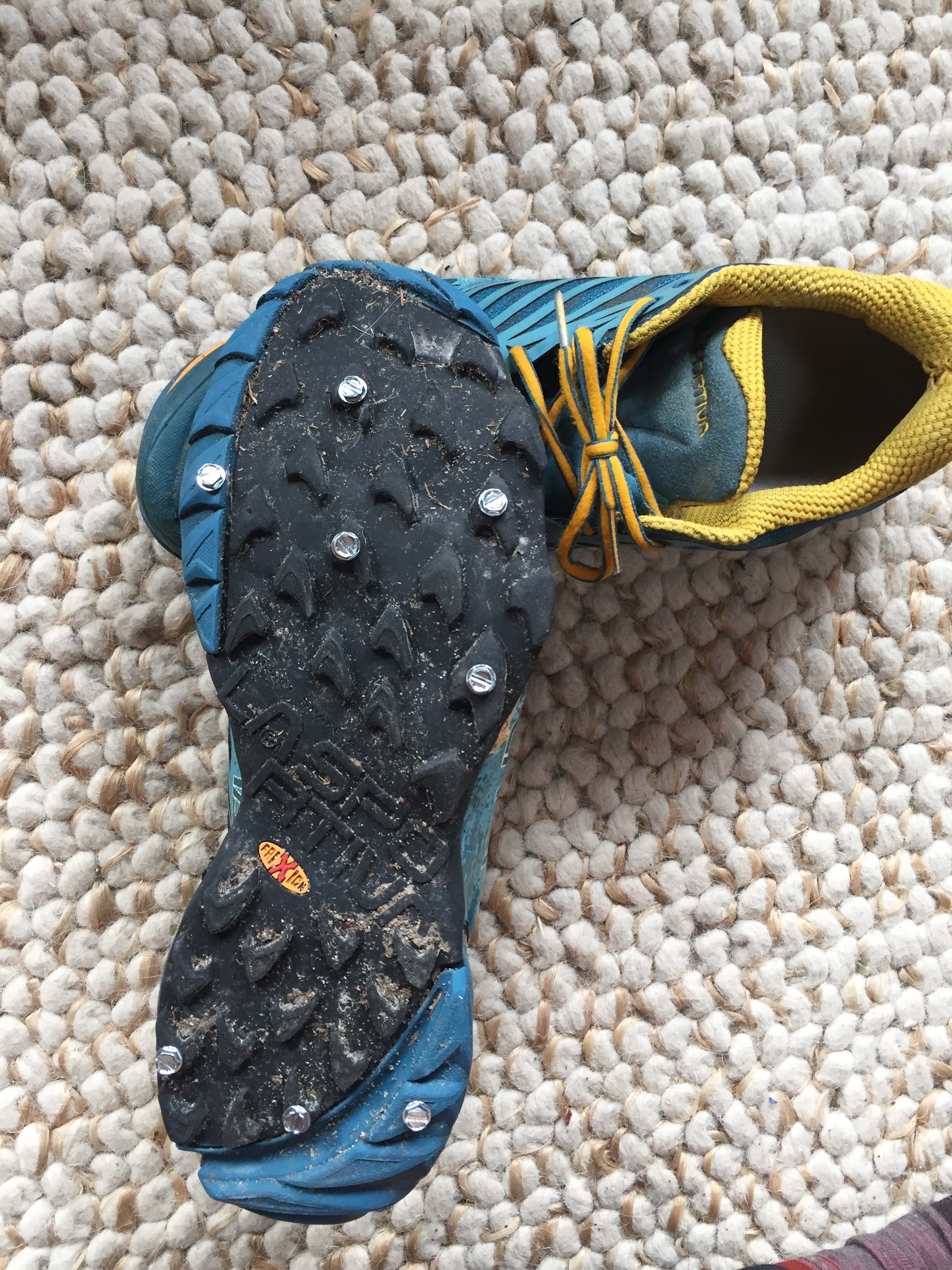 screw shoes 2.jpg