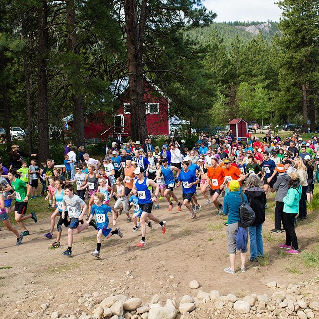It's the Mazama Fun Runs time! Join us and @mvnordicteam for a family friendly run followed by pancakes! Choose from a 5k or 10k, or a free 1k for kids under 6. Registration link in profile. Sign up before the price increase tomorrow. Or bring your friends and family to volunteer and run for free! #willrunforpancakes #worldfamouspancakebreakfast #mazama