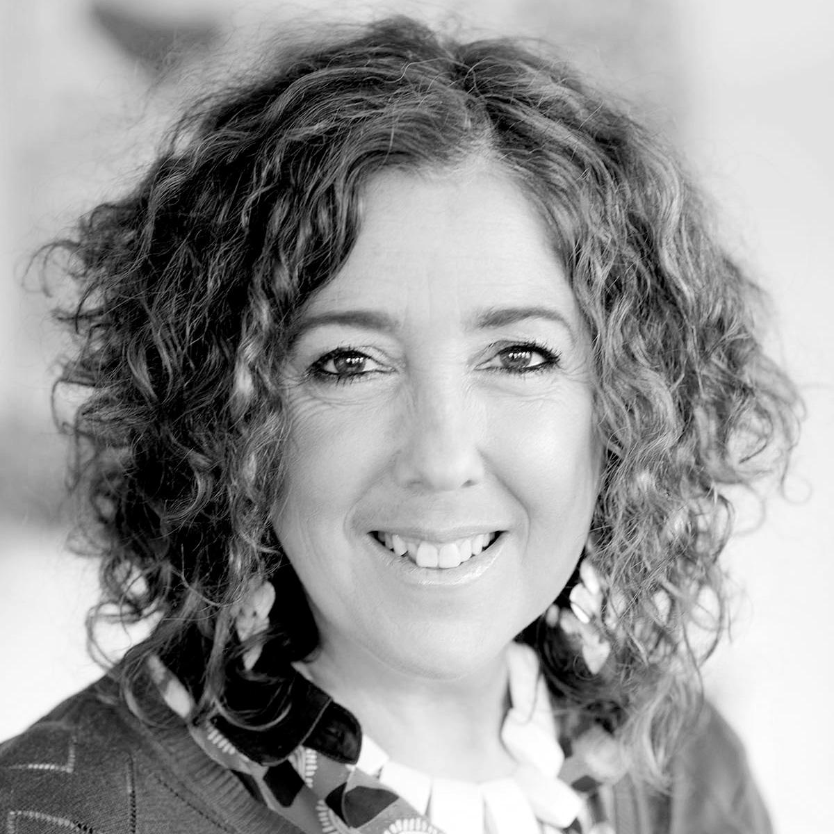 Dr Nicole Redlich
