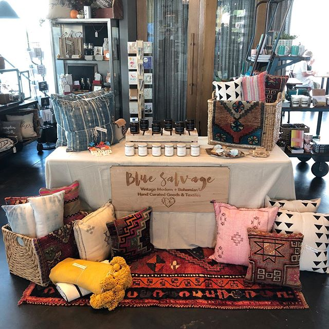 Market has started @canvaslakenona and we are here until 4pm. If you aren't enjoying brunch already come check out all the #fall things. We're excited to see you!  #shoplocal #shopsmall #localmakers #atlcolor #interiordesign #bohochic #brooklyn #tampa #colorado #thedelightofdecor #cali #apartmentdecor #nashville #ihavethisthingwithtextiles #brooklyn #texas #livingroomdecor #orlando #tokyo #bohoismyjam #designsponge #jungalowstyle #homedecor #home #interiordesign #bluesalvagestyle #makehomematter #lakenona #canvaslakenona