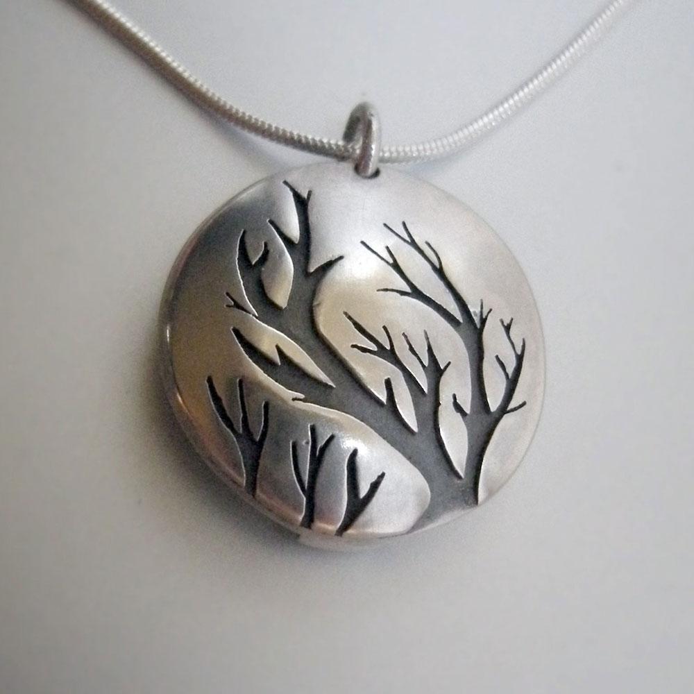 tree_locket_1.jpg