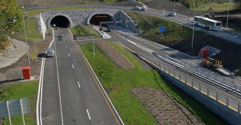 Trafikantane på E39 kan glede seg over at nok ein flaskehals forsvinn.   Torsdag 16.oktober opnarEikåstunnelen mellom Vågsbotn og Hylkje.